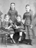 1876 ThomasP and children
