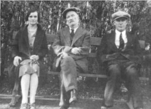 1864-1946 John Shiels with son William and Janet